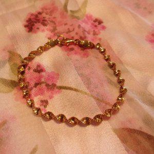 "Twisted Gold Tone Chain Bracelet 7.5"" L"